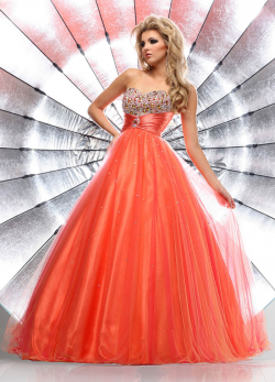 US$183.99 2015 Sweetheart Sleeveless Crystals Beading Tulle Floor Length Ball Gown
