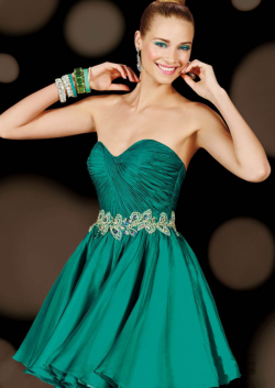 US$158.99 2015 Green Sleeveless Sweetheart Zipper Crystals Chiffon Short