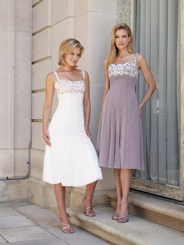 US$153.99 2015 Straps Knee Length White Appliques Sleeveless Ruched Chiffon