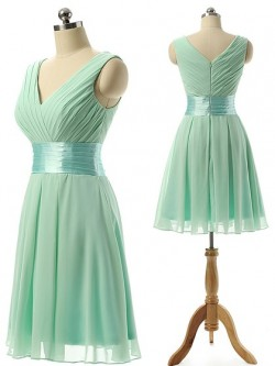 V-neck Chiffon Knee-length Sashes / Ribbons Modest Bridesmaid Dresses in UK
