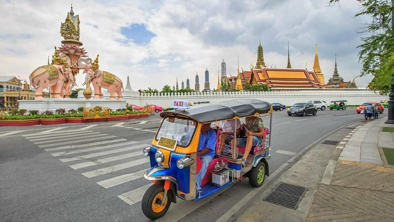 Bangkok Travel Guide – Hotels, Tours, Shopping, Nightlife and Information