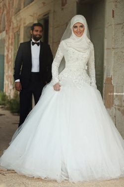 Classic Saudi Arabia Muslim A Line Wedding Dresses Long Sleeves Lace Appliques High Neck Arabic  ...