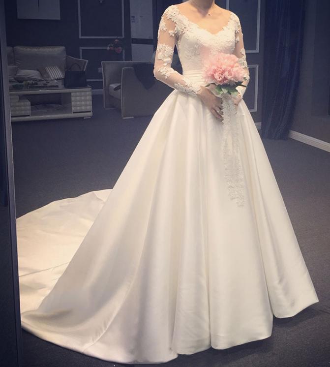 Elegant Satin A Line Long Illusion Sleeves Wedding Dresses V Neck Lace Appliques Court Train Bri ...