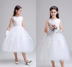 Charming Lace Appliques Wedding Flower Girls Dresses for Young Girls Crew Neckline Beaded Tea Le ...