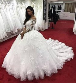 Amazing Lace Ball Gown Wedding Dresses With Long Sleeves Sheer Bateau Neck Hollow Back Bridal Dr ...