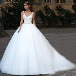 Spaghetti Straps Applique Beading Sash Ball Gown White Bridal Gowns vestidos de noiva com crista ...