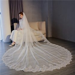 2018 luxury bridal veils OEM White Wedding bridal Veil with hair comb