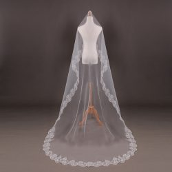 2018 new design bridal veils 3 meters lace appliqued White Wedding Veil