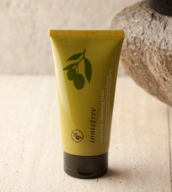 SKIN CARE – Olive real cleansing foam | innisfree
