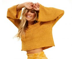 MINKPINK Women's Cropped Slouch Sweater – Golden |