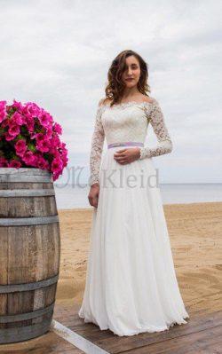 Zug Perlenbesetztes Brautkleid mit Bordüre
